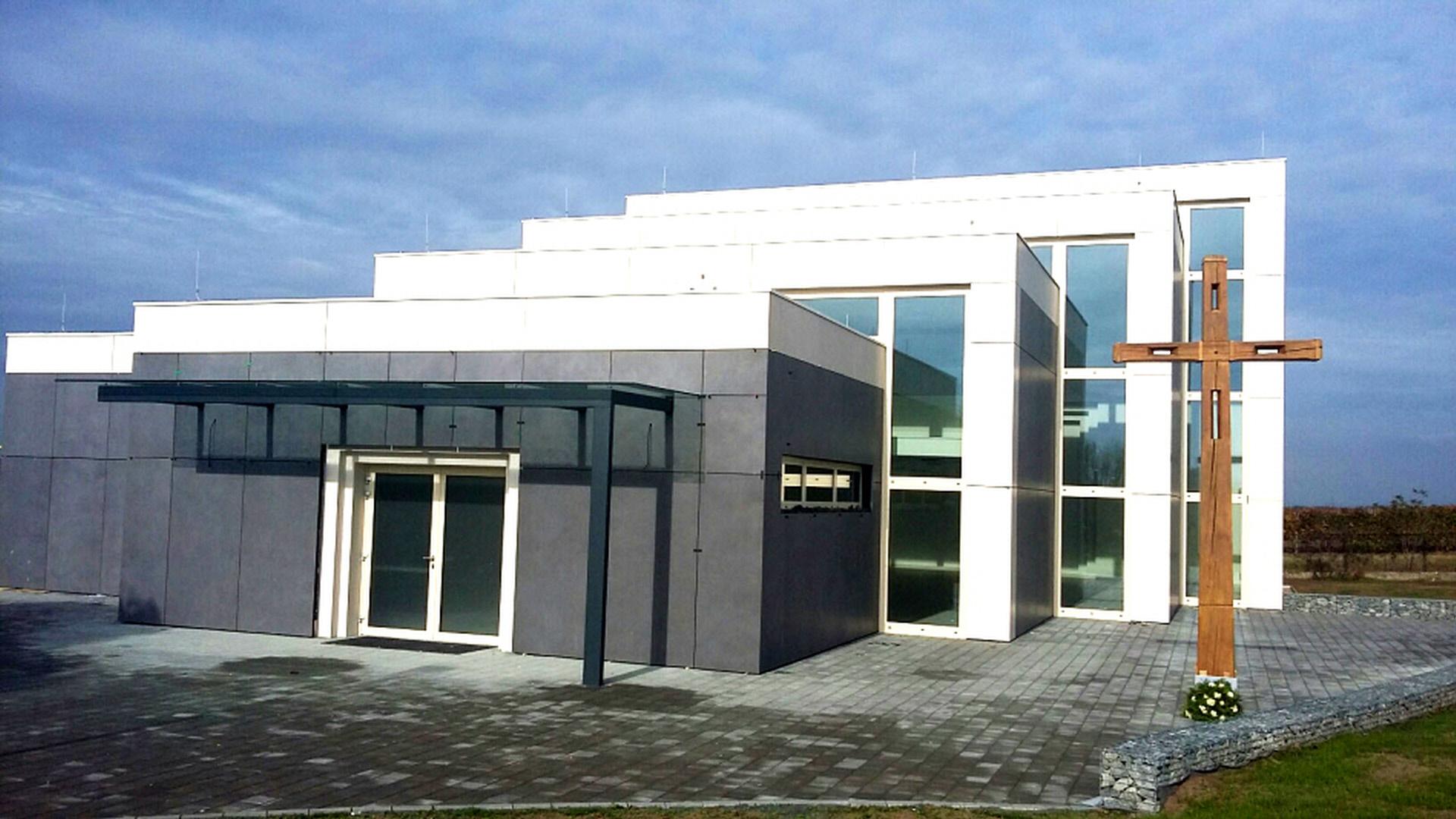 Provětrávané fasády   Speciální výroba   Koupelny ČERO