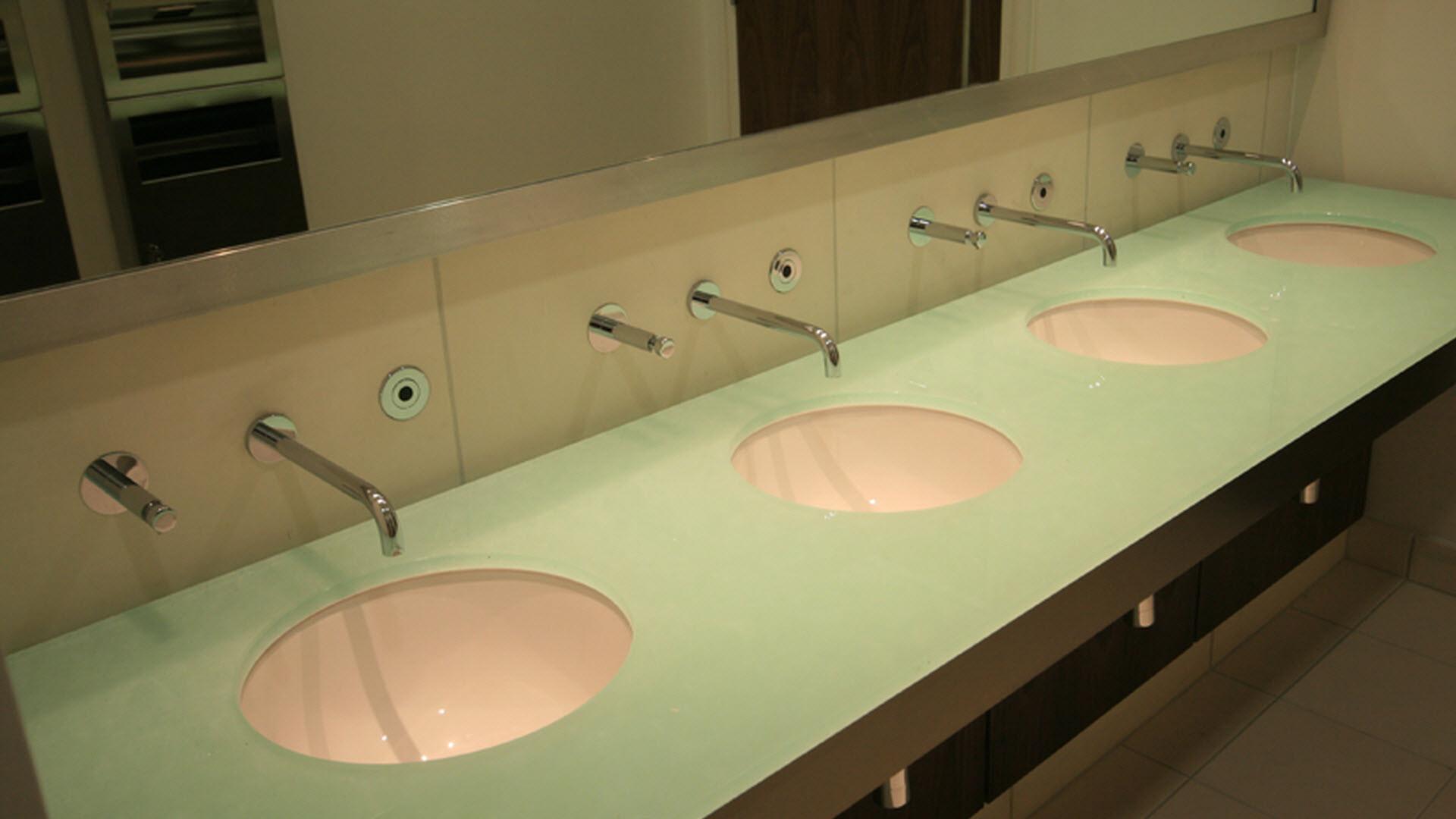 Řezání dlažeb a otvorů | Speciální výroba | Koupelny ČERO