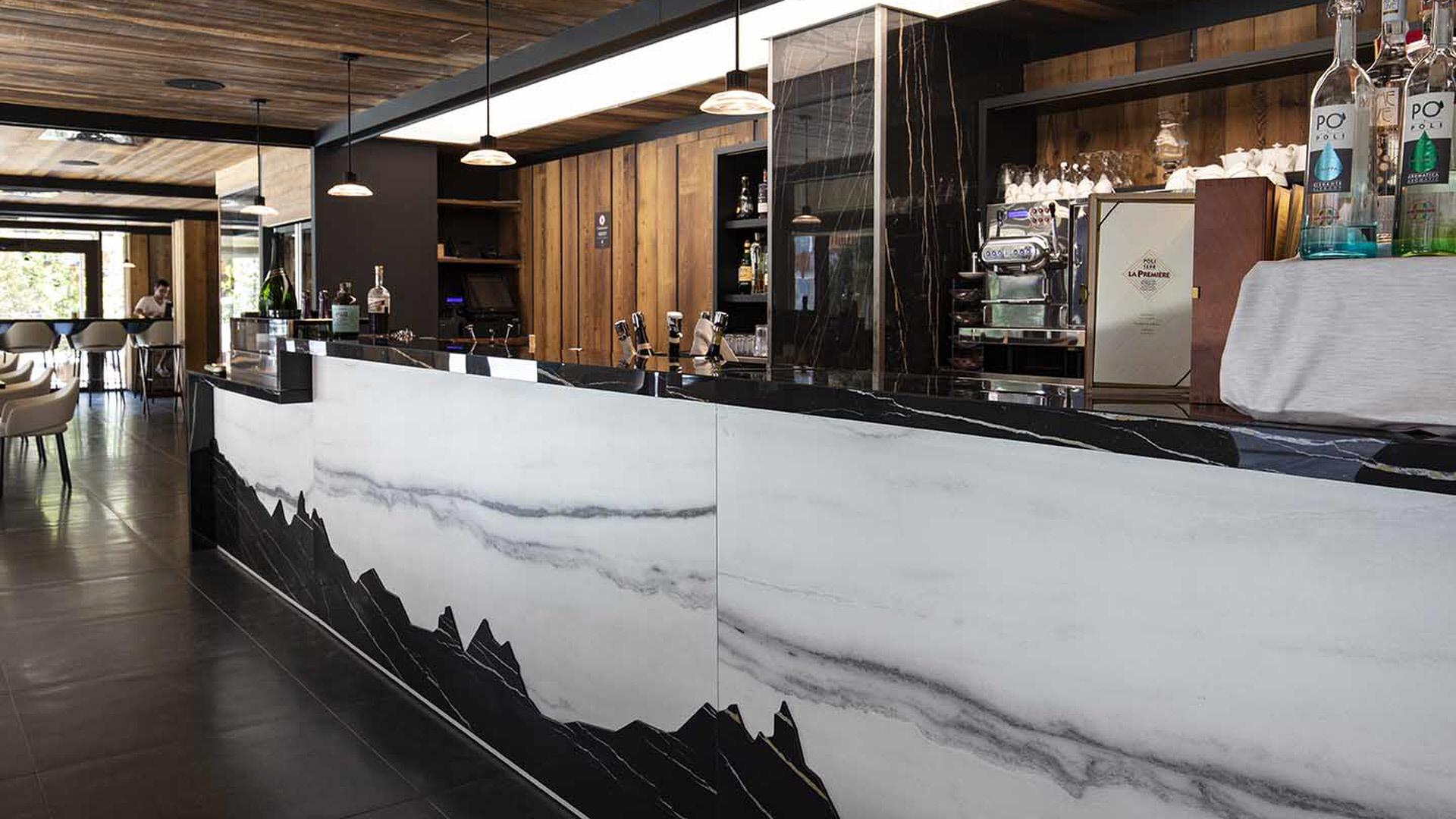 Recepční a barové pulty | Speciální výroba | Koupelny ČERO